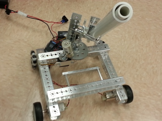 Meet the War Eagle, Middle College's robot competitor built by by students in the new after-school club. Senior Thomas Chapman thought of the robot's name.